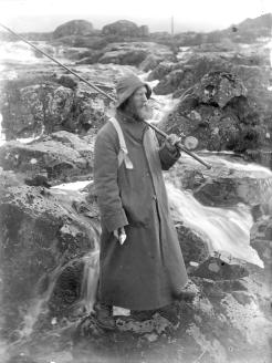 Pic 14 Mackenzie at the river Sligachan