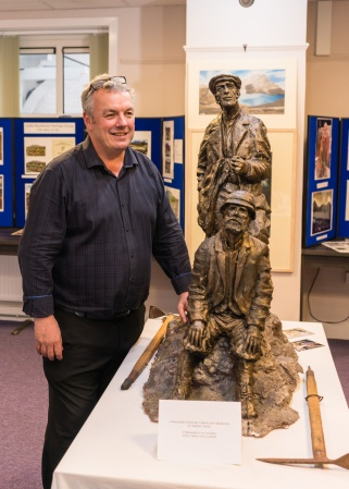 pic 18 Sculptor Stephen Tinney with maquette